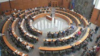 Slowenien bekommt Minderheitsregierung unter Politneuling Sarec