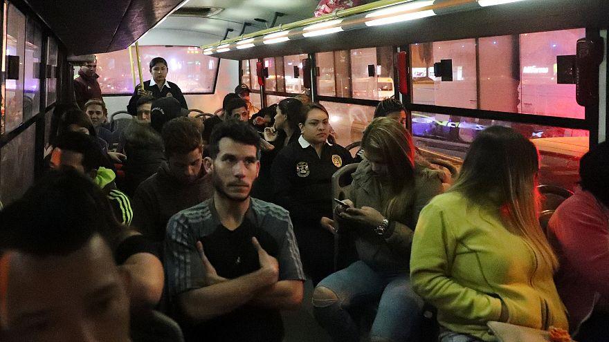 Migranten in einem Bus in Peru