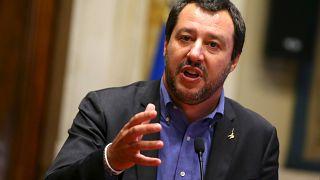شرکت وزیر کشور ایتالیا در یک مهمانی در شب ریزش مرگبار پل در جنوا جنجالی شد