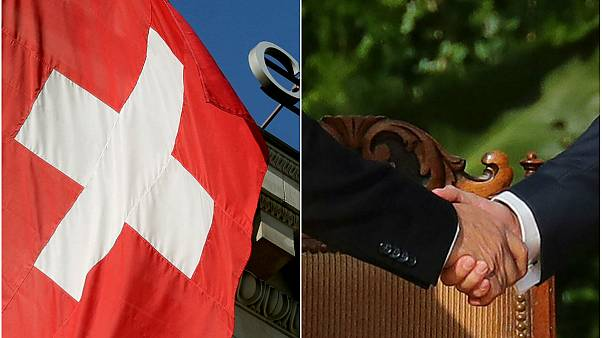 İsviçre el sıkışmayı reddeden Müslüman çiftin vatandaşlık başvurusunu askıya aldı