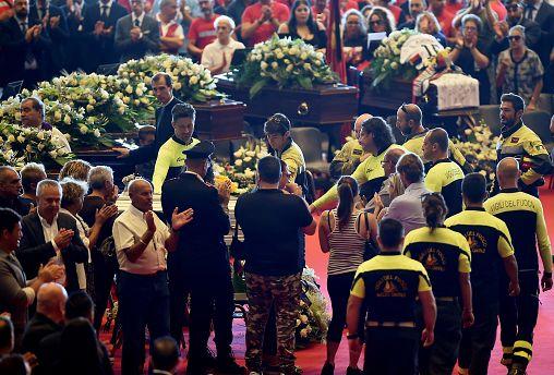 Italie : des funérailles d'Etat sous tension