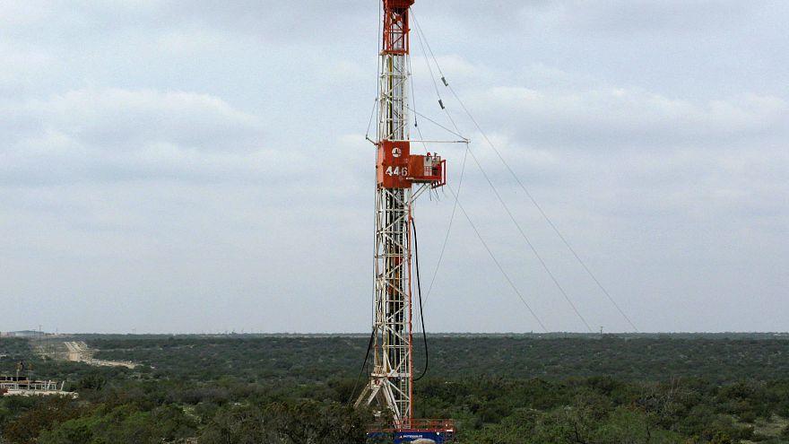 مسؤول استخبارات بريطاني: هجوم إلكتروني على صناعة النفط والغاز سيخلق اضطراباً بالعالم