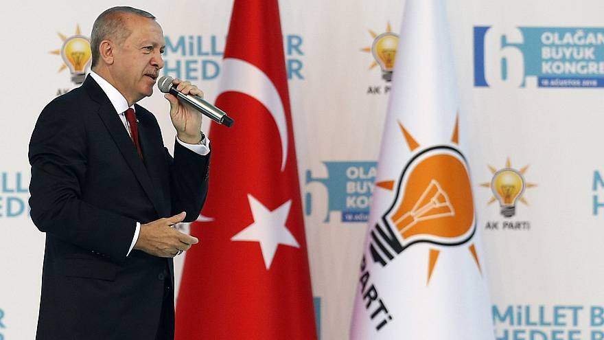 """Erdoğan: """"Kurla ekonomik darbe yapmaya çalışıyorlar"""""""