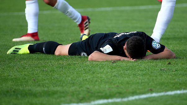 Kleine jubeln im DFB-Pokal: Frankfurt unterliegt Ulm aus der 4. Liga