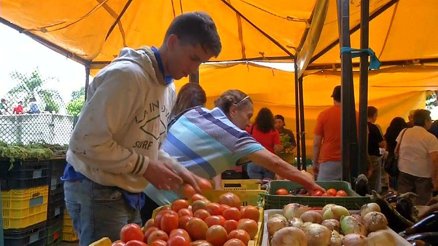 Venezuela increases minimum wage sixty-fold as economy goes into meltdown