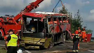 Lengyelországi buszbaleset: a sofőrt gyanúsítják