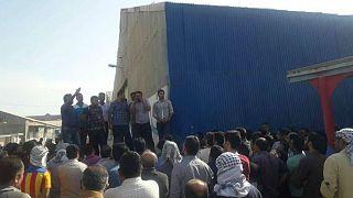 اقدام به خودسوزی و دستگیری کارگران نیشکر هفتتپه