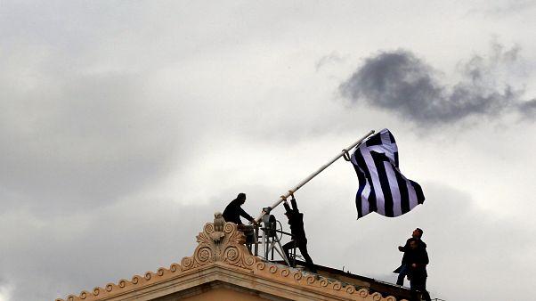 یونان پس از هشت سال بحران اقتصادی روی پای خود میایستد