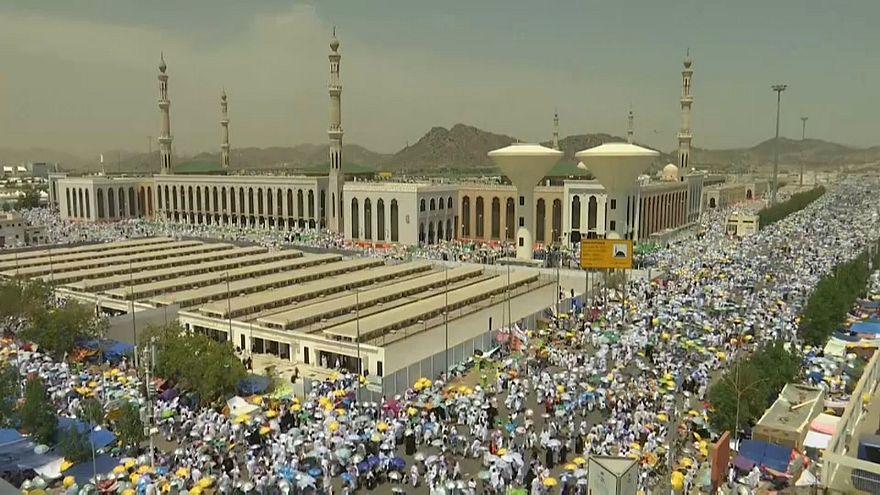 Hadsch: Zwei Millionen Pilger am Berg Arafat