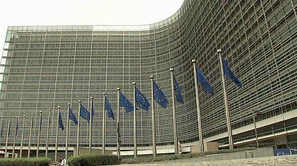 """L'UE reconnait des """"erreurs"""" dans la crise grecque"""