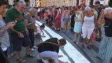 ویدئو؛ ادای احترام ایتالیاییها به جانباختگان حادثه ریزش پل در جنوا