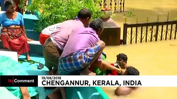 Imagens dramáticas dos resgates em Kerala