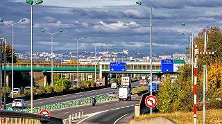 بعد جنوة.. تقرير حكومي فرنسي يحذر: 840 من جسور البلاد معرضة للانهيار