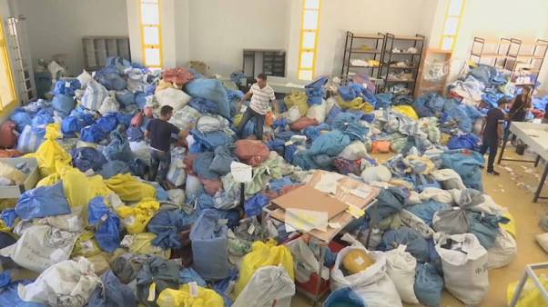 Palestinianos recebem correio com oito anos de atraso
