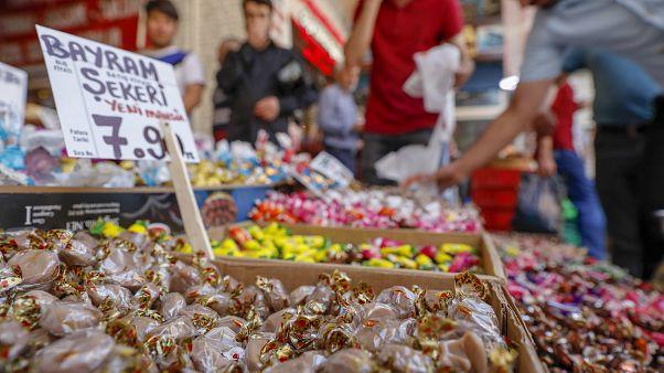 Müslümanlar Kurban Bayramı geleneğini için hazırlıklarını tamamladı.
