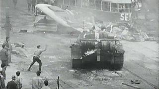 Demonstranten in Prag erinnern an Sowjeteinmarsch von 1968