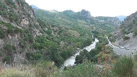 مقتل 11 متجوّلين بعد غمر مياه الأمطار لخور جبلي جنوب إيطاليا