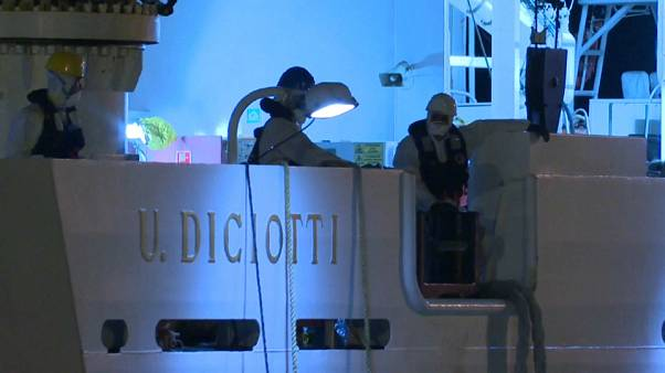 Italy refuses to let refugees and migrants disembark after coastguard ship, Diciotti docks in Sicily