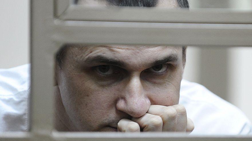 Cinéaste ukrainien Oleg Sentsov prétexte : 100e jour de grève de la faim.
