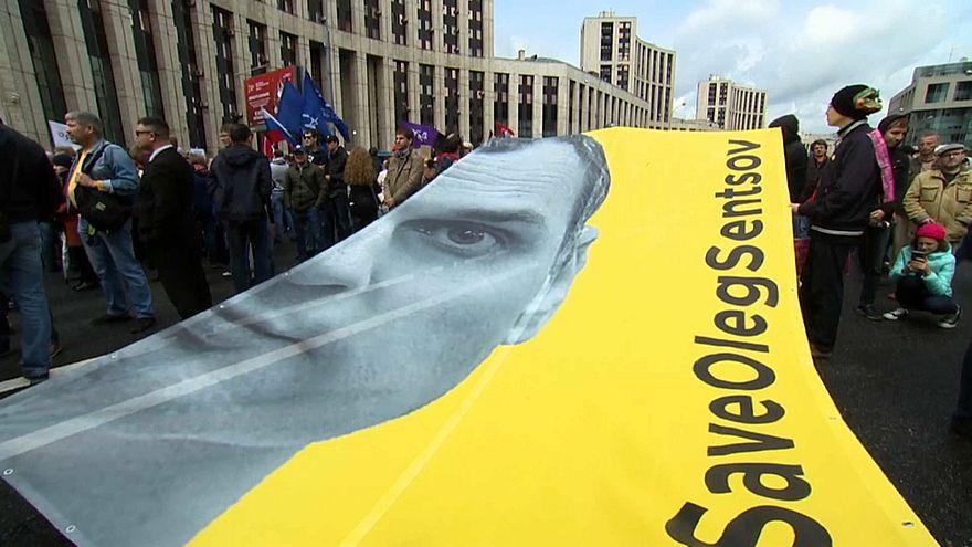 Oleg Senzow seit 100 Tagen im Hungerstreik - Kreml weist Gnadengesuch der Mutter zurück