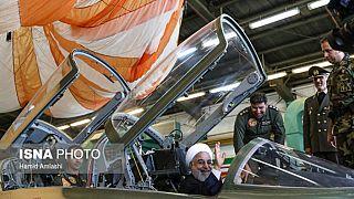 İran yerli savaş uçağını tanıttı