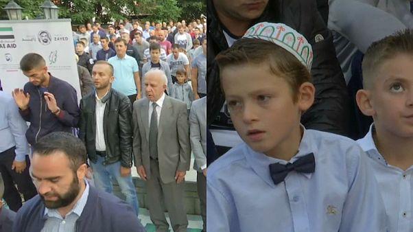 شاهد: مسلمو كوسوفو يؤدون صلاة عيد الأضحى