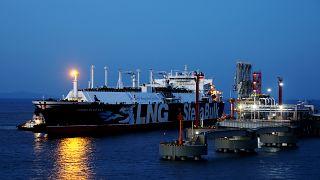 چین با قراردادهای جدید از ایران نفت میخرد