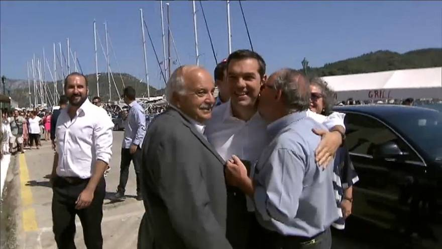 Tsipras celebra el final del programa de rescate