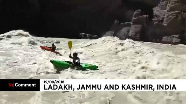 India acoge la competición de rafting y kayak más complicada