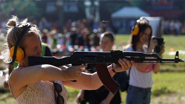 شاهد: كلاشينكوف تكشف عن بندقية AK-308 آخر إصداراتها