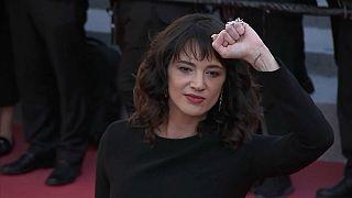 Asia Argento niega las acusaciones de abuso sexual de Bennett