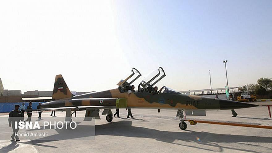 L'Iran presenta nuovo jet militare