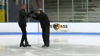 شاهد: قاض أمريكي في التسعينات من عمره يهوى الرقص على الجليد