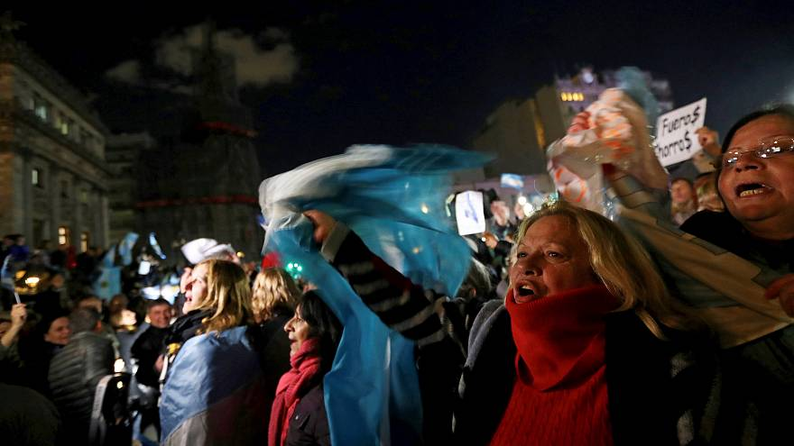 Milhares exigem a retirada de imunidade de Cristina Kirchner