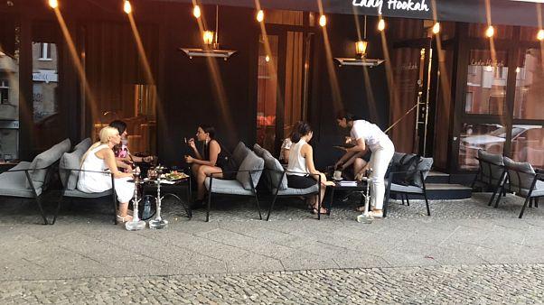 Berlin'de 'kadınlara özel' nargile kafe