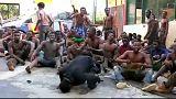 A szögesdrót sem állította meg a menedékkérőket Ceutánál
