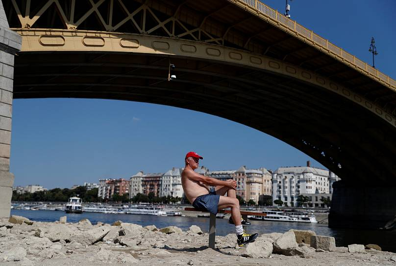 El Danubio deja barcos varados