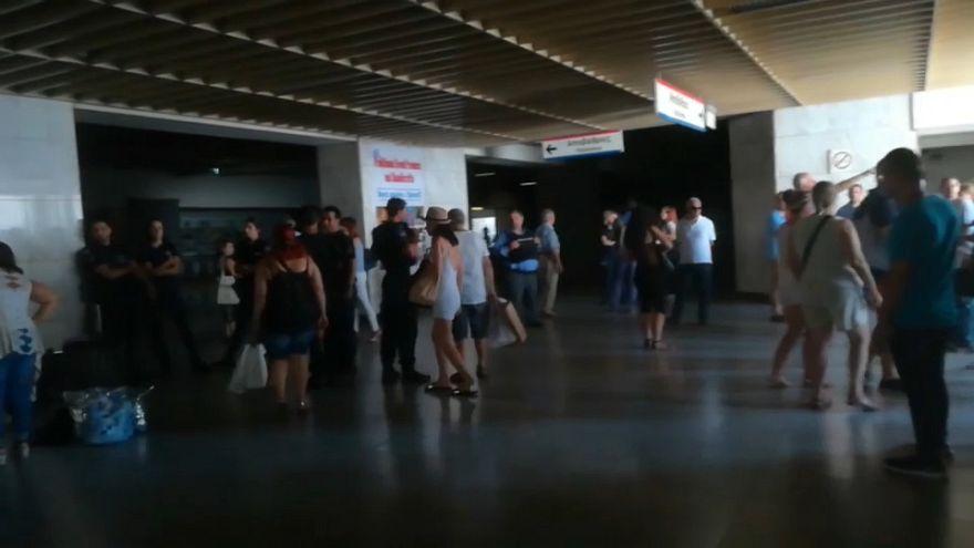 Un apagón en Grecia deja el metro a oscuras