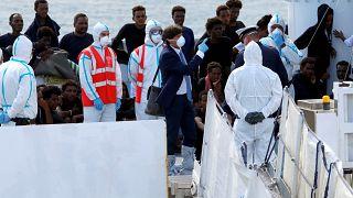 Salvini autoriza el desembarco de 29 menores del Diciotti