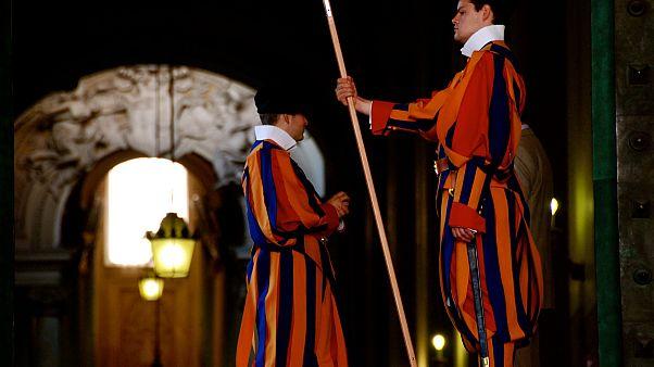 مصرفي سويسري كبير يستثمر بتجديد الفاتيكان بعد تقاعده