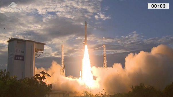 Für genauere Wettervorhersagen: Satellit Aeolus ins All geschossen