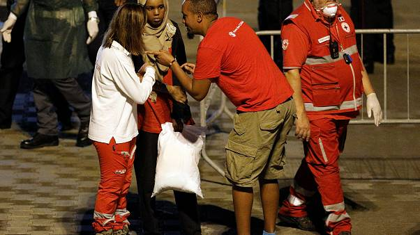İtalya 177 mülteci taşıyan bottan sadece 29 çocuğun inmesine izin verdi