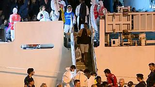 Italy allows 29 unaccompanied minors held on the coastguard ship Diciotti to disembark