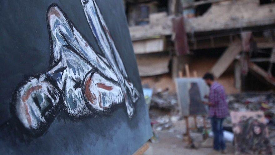 Pintar as feridas da guerra na Síria com as cores da arte