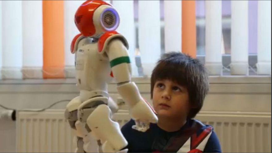 Ρομπότ εκπαιδεύουν παιδιά με αυτισμό
