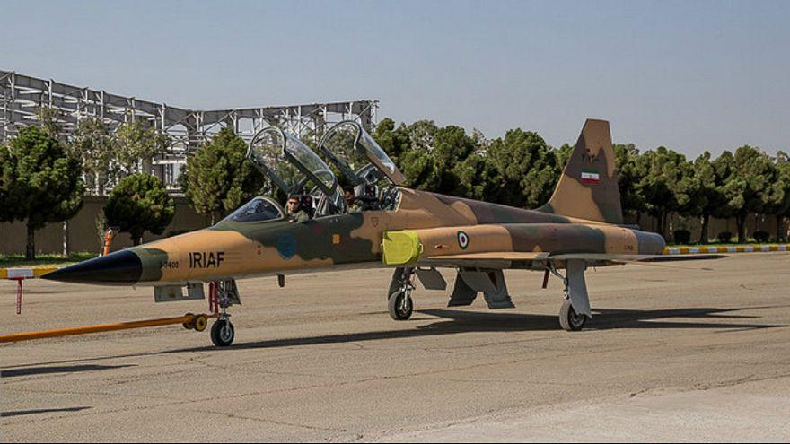 کارشناسان نظامی: جنگنده کوثر همان «اف-۵» است