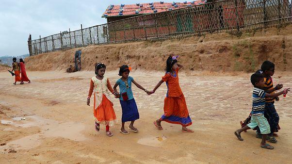 کودکان روهینگیایی در اردوگاه آوارگان روهینگیای کاکس بازار بنگلادش