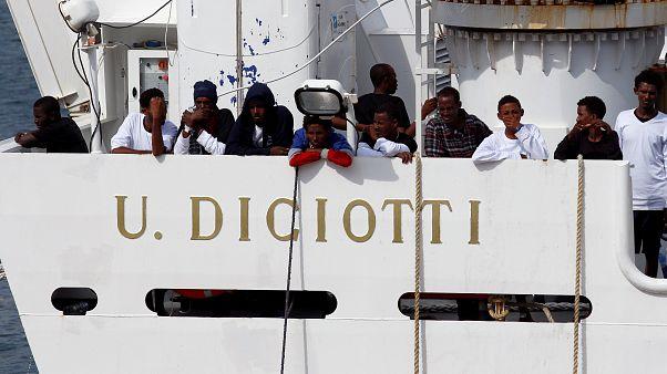 Diciotti a Catania, i giuristi: costituzione e convenzioni, ecco cosa sta violando l'Italia