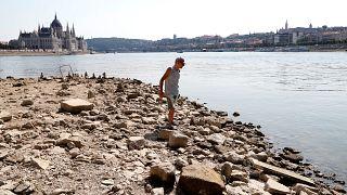 Nível de água do Danúbio está tão baixo que afeta a economia em Budapeste