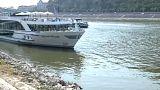 Barcos varados en el Danubio por falta de caudal